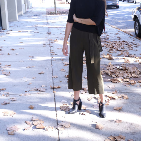 NIKI KHAKI PLEATED CULOTTES PANTS