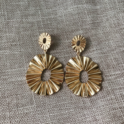 MADELYN STATEMENT EARRINGS