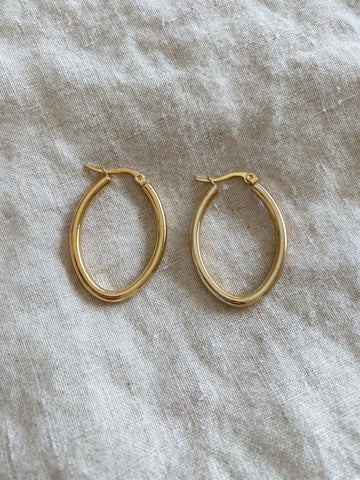 Louisa Oval Hoops