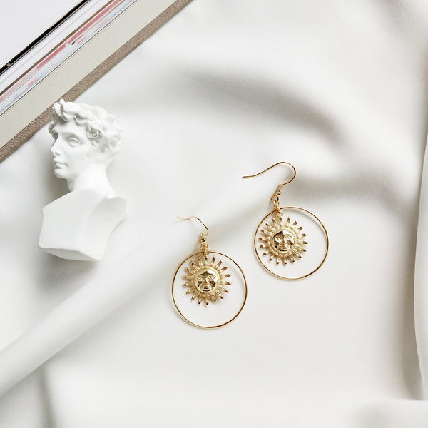 Sun Face Earrings - Gold