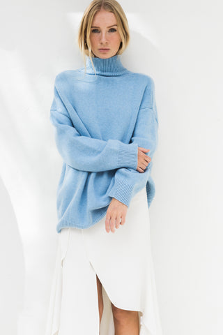 MARI TURTLE NECK OVERSIZE JUMPER