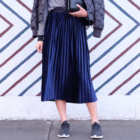 JOEY VELVET PLEATED SKIRT- NAVY