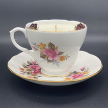 Laden Sie das Bild in den Galerie-Viewer, Floral Delight Teacup