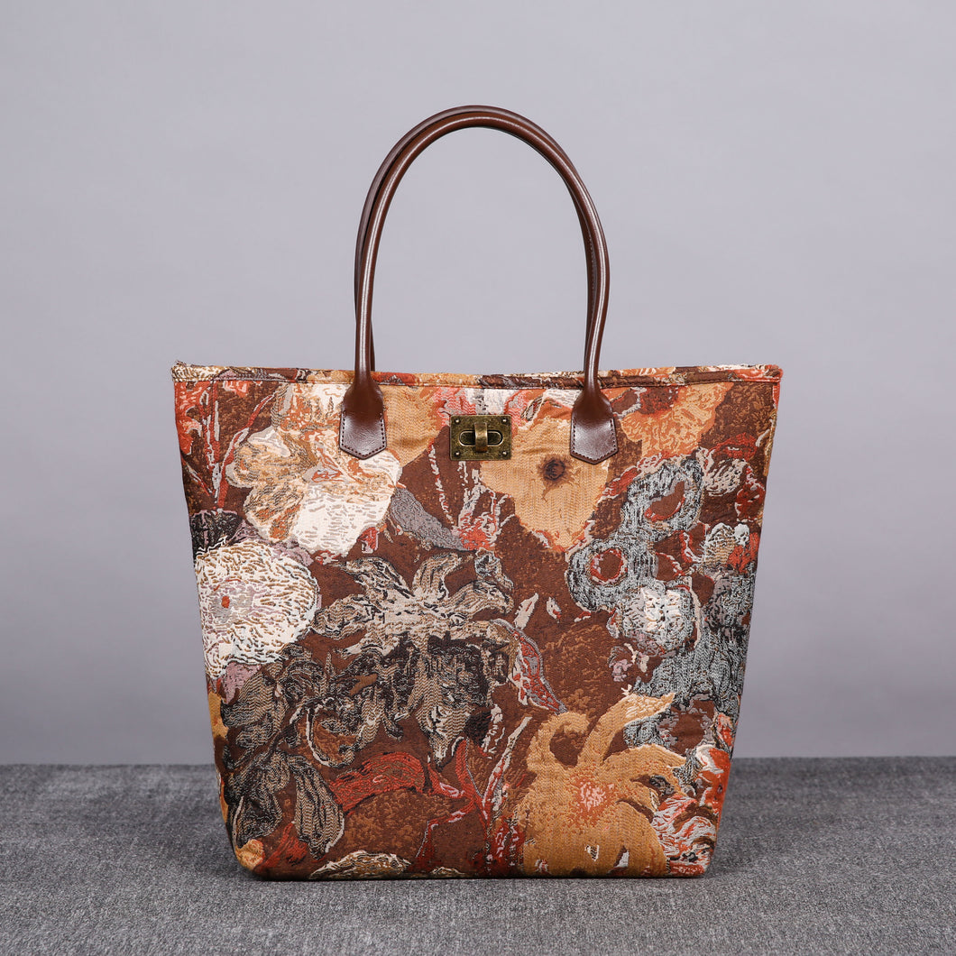 Carpet Tote<br>Abstract Brown