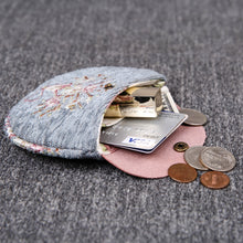 Load image into Gallery viewer, Minimalist Style Leather Carpet Coin Purse<br>Bouquet Pattern
