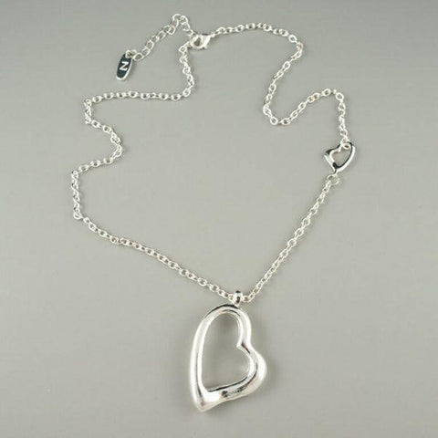 Aimee – silver heart necklace