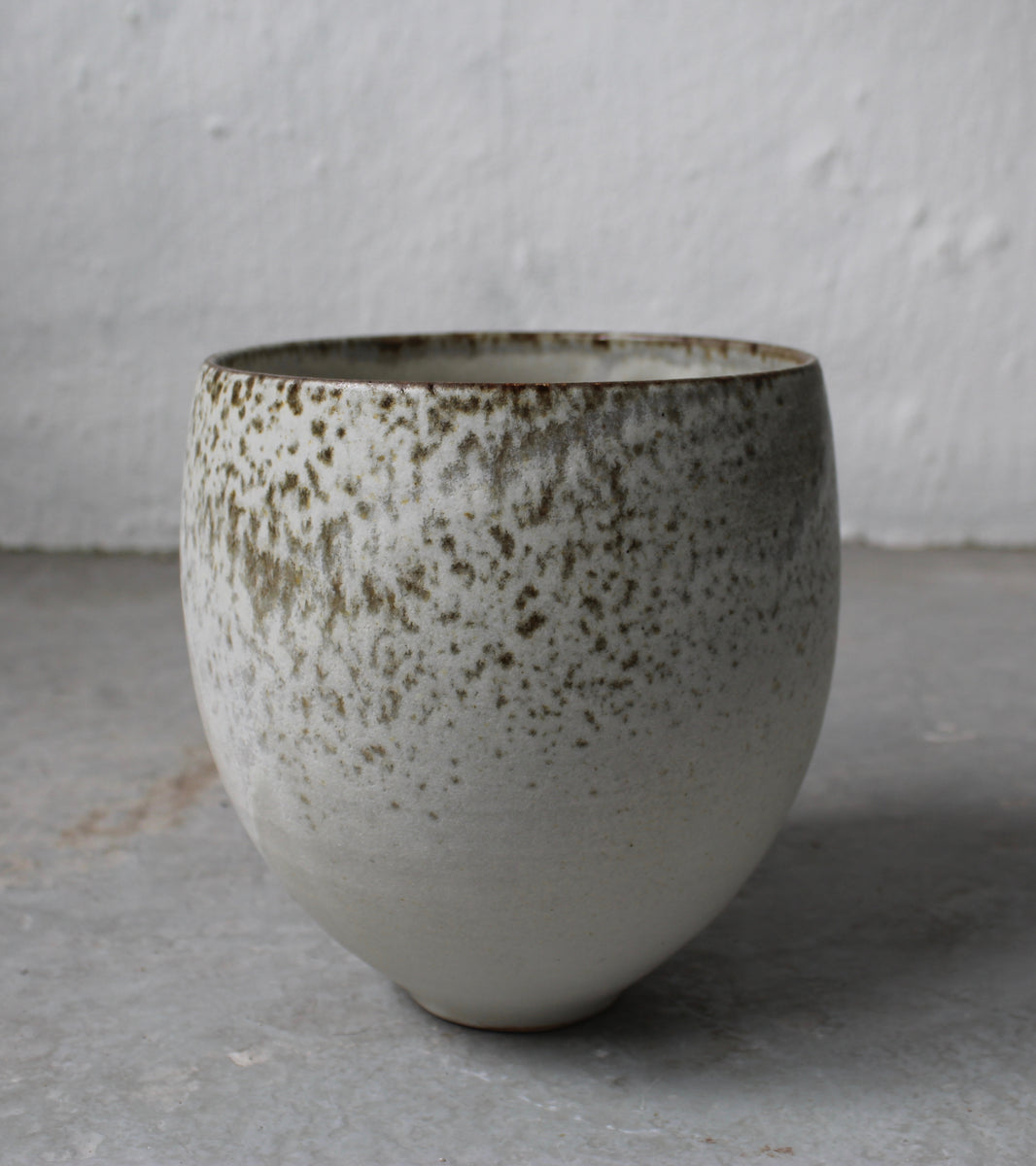 '#62' Bonshō Bell Shaped Planter <br> Fawn Glaze