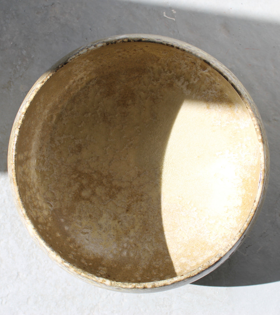 '#91' Large Cauldron Bowl <br> Sand Glaze