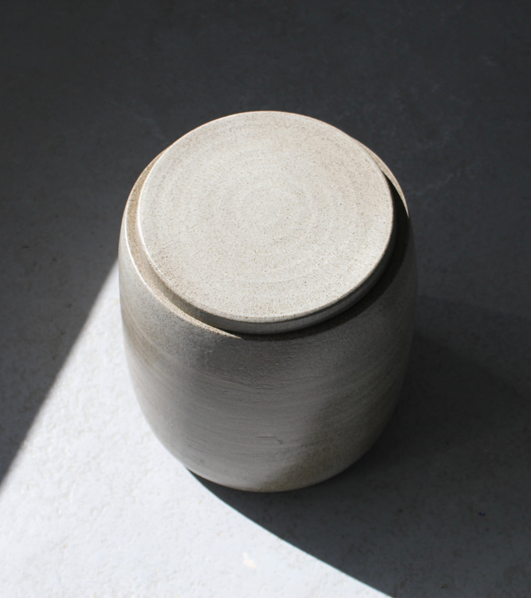 Large Lidded Tub <br> Chamotte Clay, Clear Glaze