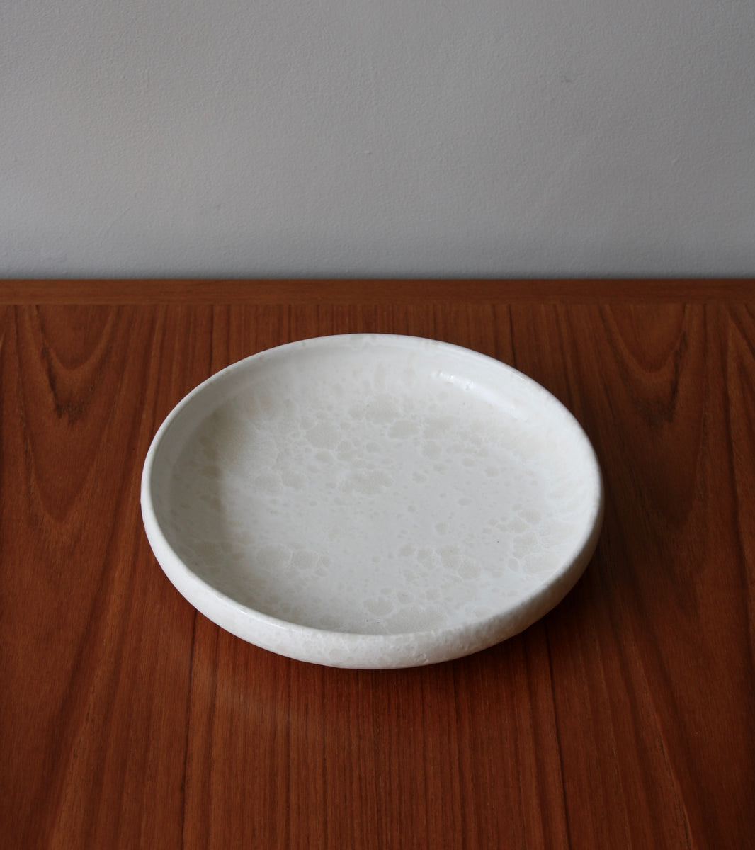 Serving Platter <br> in Ivory Glaze <br> by KH Würtz <br> Shape #15