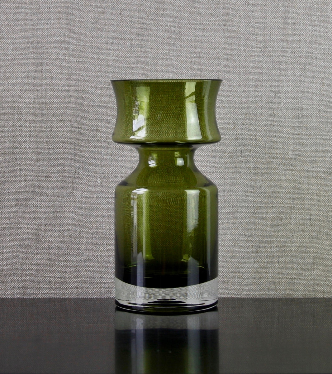 "Olive Green Model 1477 ""Ruusu"" (Rose) Vase by Tamara Aladin, 1966"