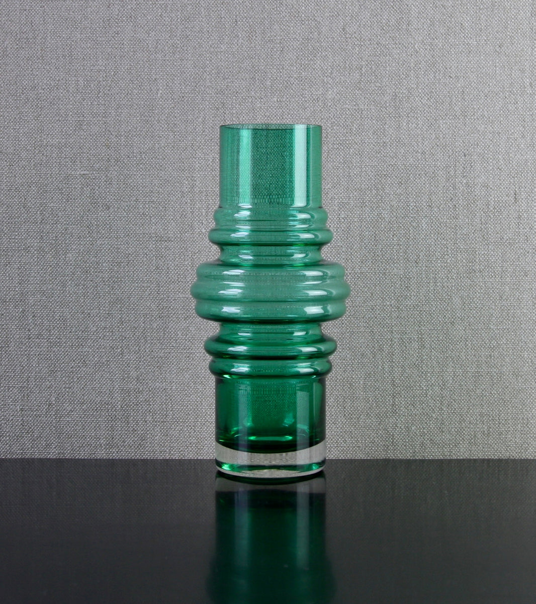 "Malachite Green Model 1516 ""Tulppaani"" (Tulip) Vase by Tamara Aladin, 1971"