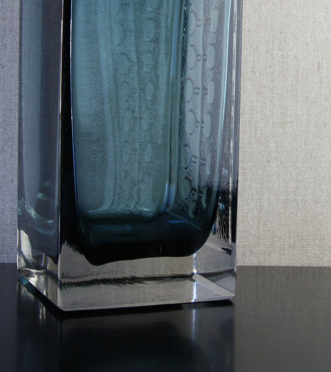 "Steel Blue Model 1494 ""Lucullus"" Vase / Nanny Still, 1966"
