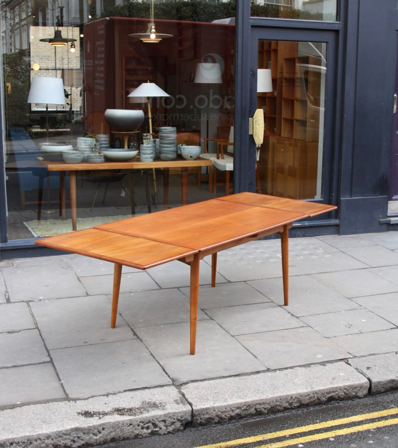 AT-312 Extendable Table Hans Wegner - Image 12