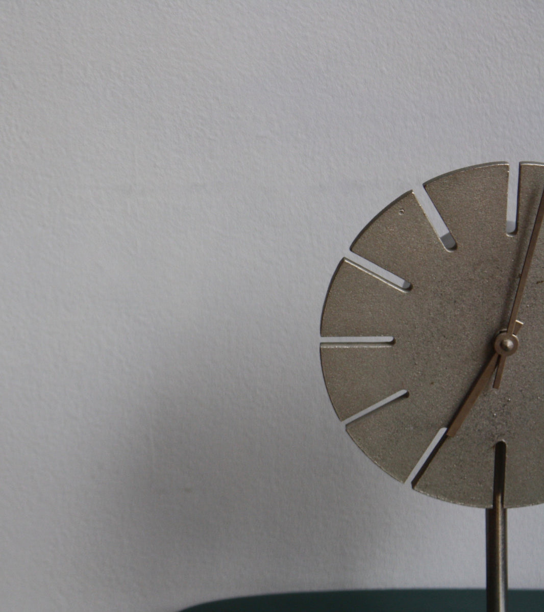 Cast Nickel Table Clock Carl Auböck - Image 10