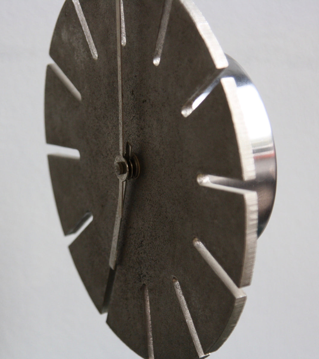Cast Nickel Table Clock Carl Auböck - Image 6