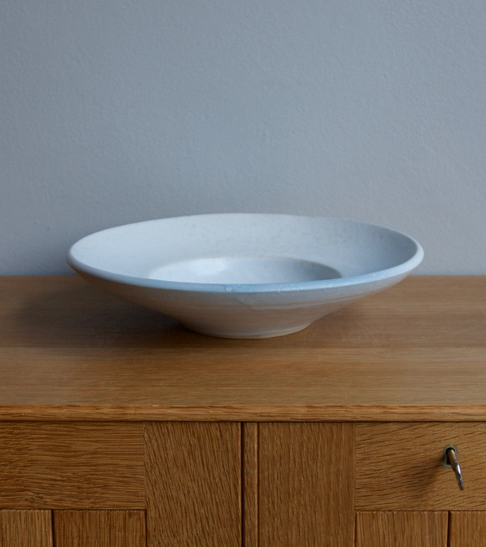 Large Flat Out Bowl 11White & Blue Glaze Kasper Würtz - Image 2