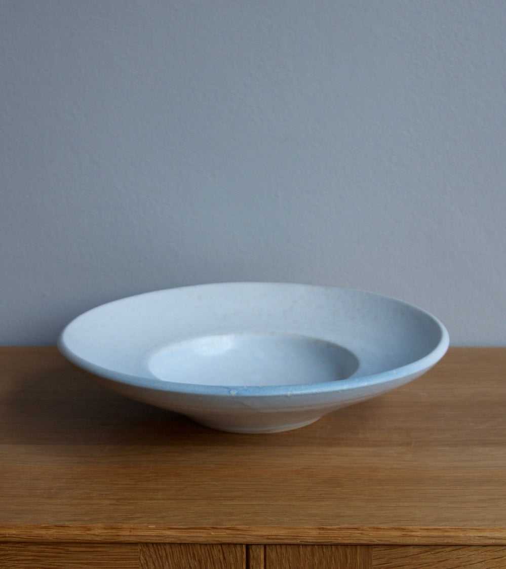 Large Flat Out Bowl 11White & Blue Glaze Kasper Würtz - Image 3