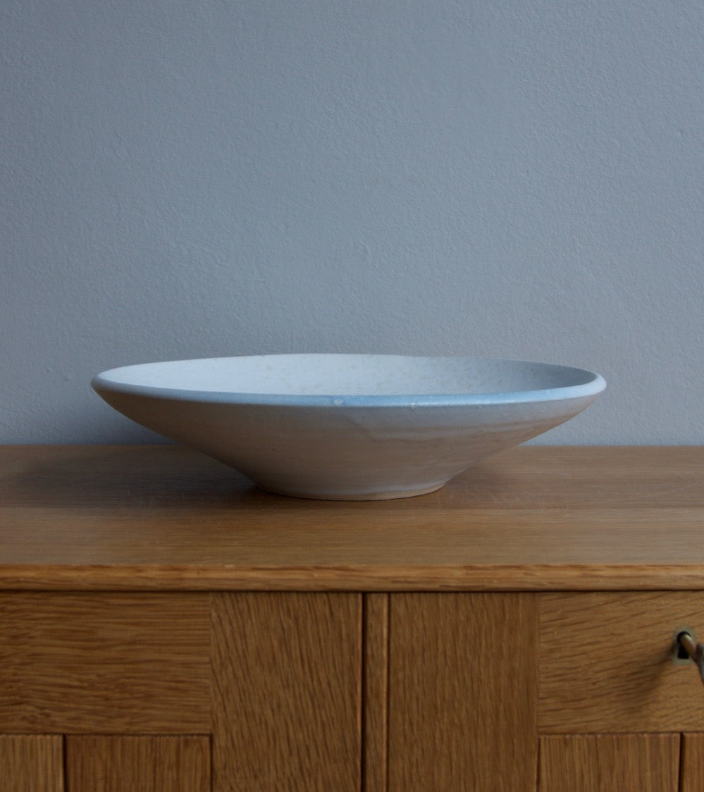 Large Flat Out Bowl 11White & Blue Glaze Kasper Würtz - Image 5