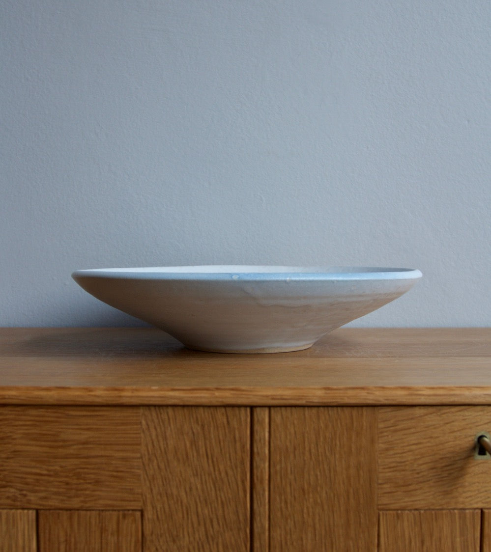 Large Flat Out Bowl 11White & Blue Glaze Kasper Würtz - Image 6