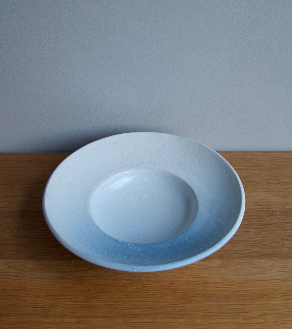 Large Flat Out Bowl 11White & Blue Glaze Kasper Würtz - Image 7