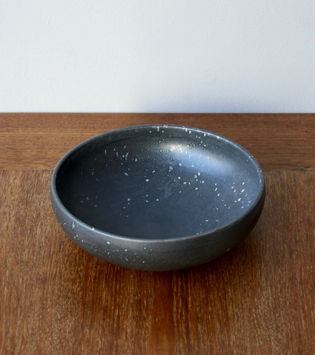 Large Shallow Bowl 13Black & White Glaze Kasper Würtz - Image 1