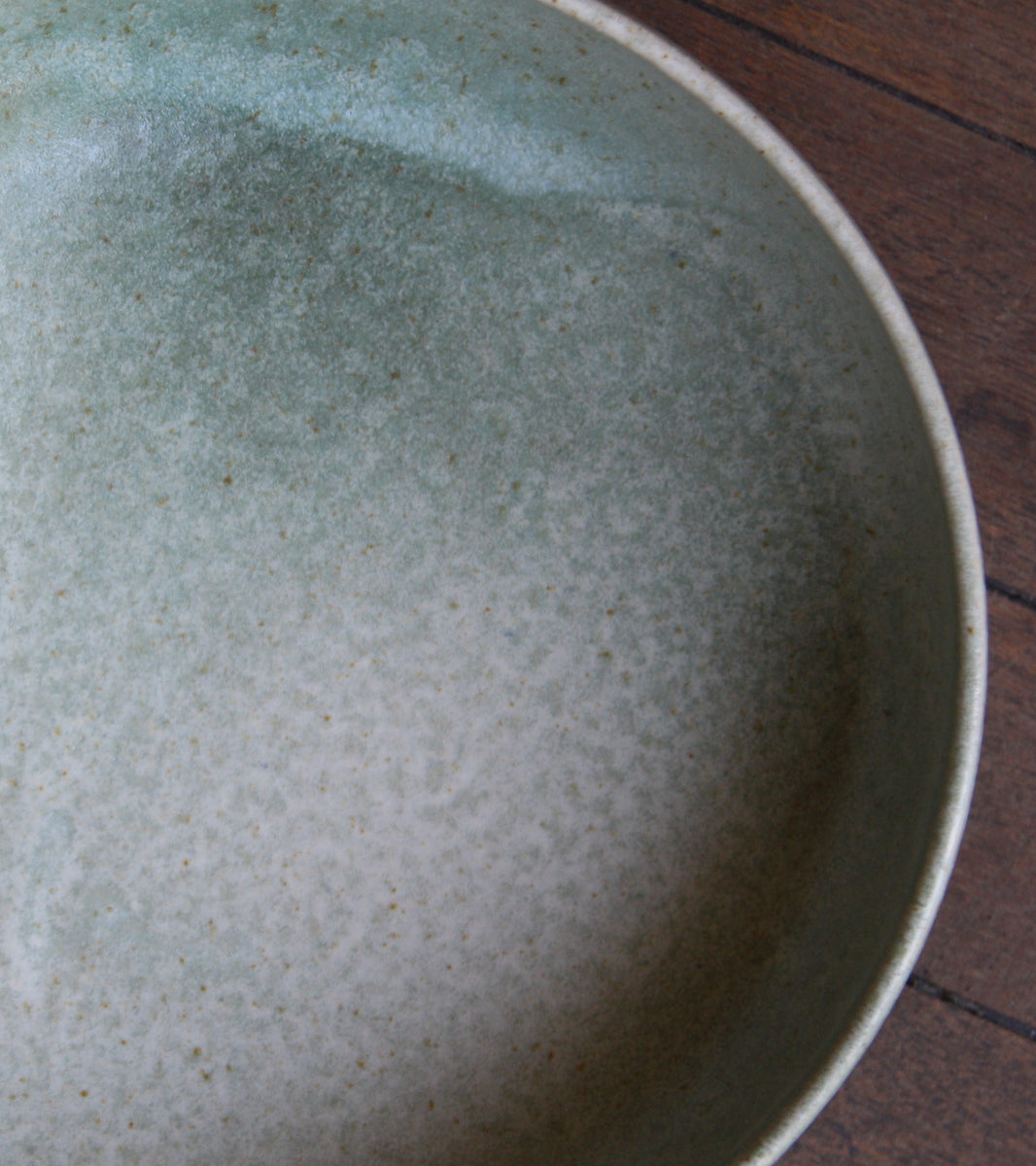 Large Shallow Bowl 13White & Green Glaze Kasper Würtz - Image 7