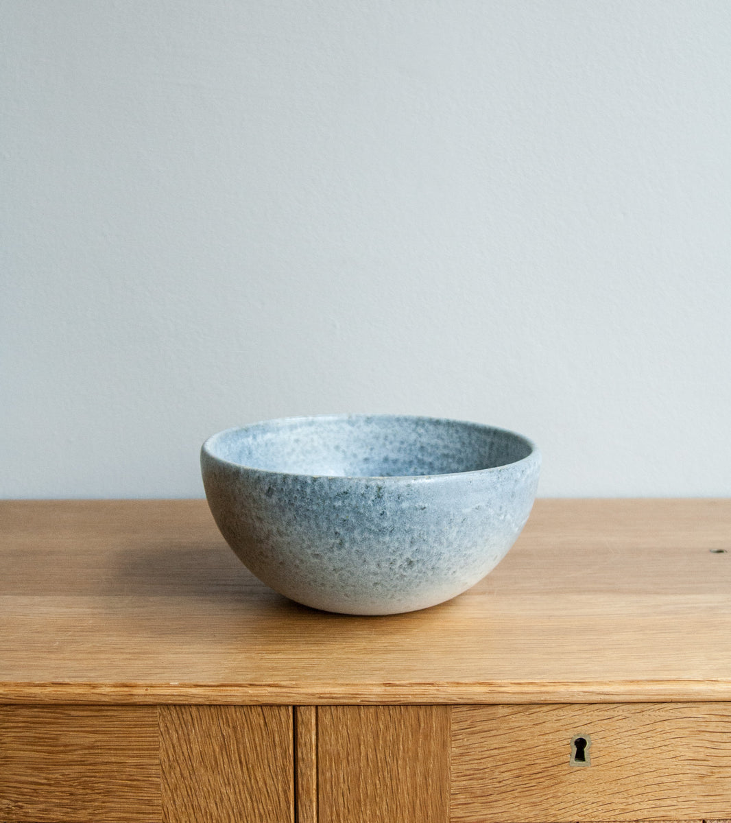 Medium Deep Bowl 10Stone Blue Glaze Kasper Würtz - Image 4