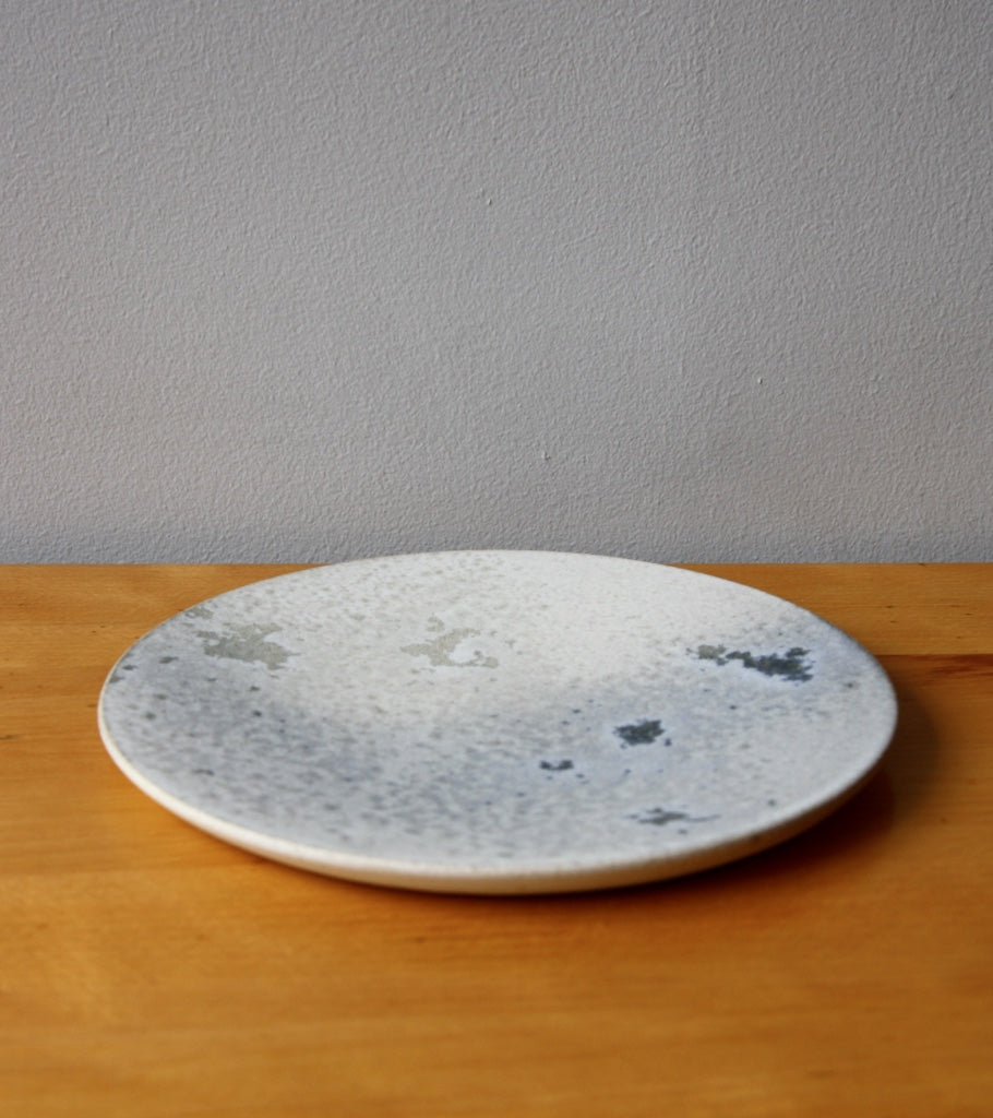 Medium Flat Plate 5White & Soft Blue Glaze Kasper Würtz - Image 2