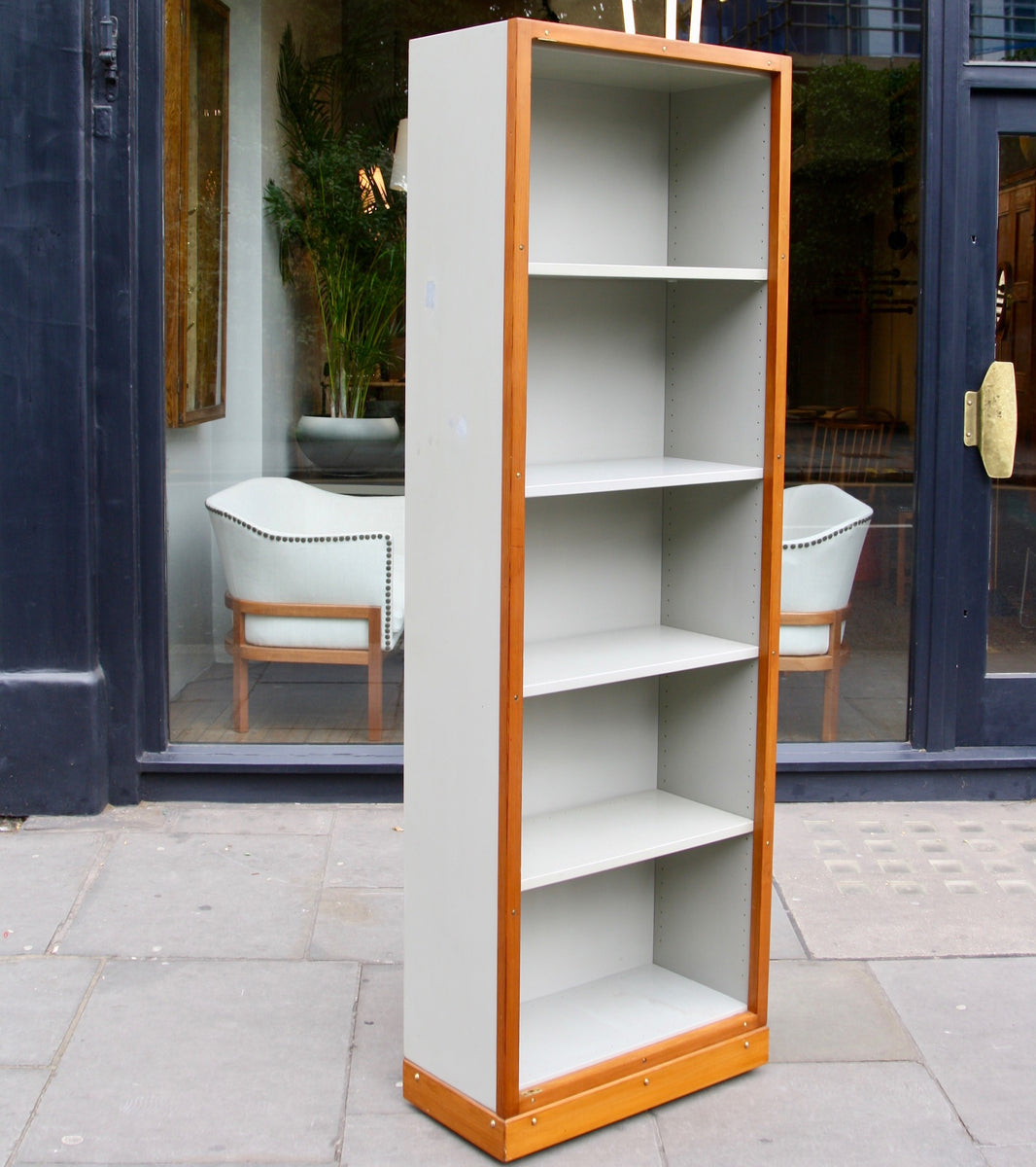 Narrow Bookcase Børge Mogensen & Grete Meyer - made in denmark Quality Danish Modern Beautiful Handmade Danish Design Architect Designed Simple Built for the future Storage original