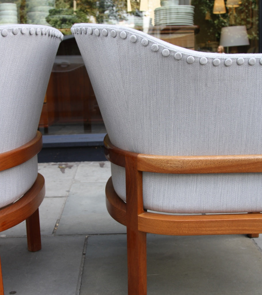 Pair of MK51 Easy Chairs Mogens Koch - Image 10