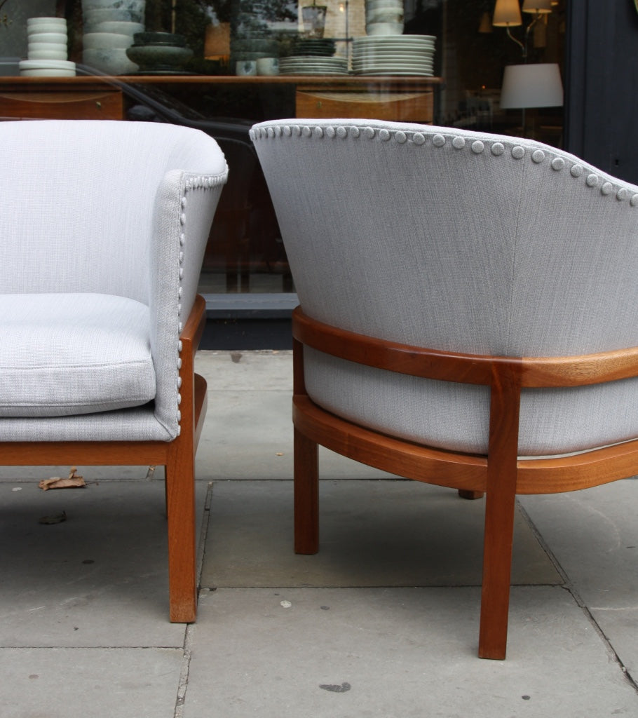 Pair of MK51 Easy Chairs Mogens Koch - Image 12