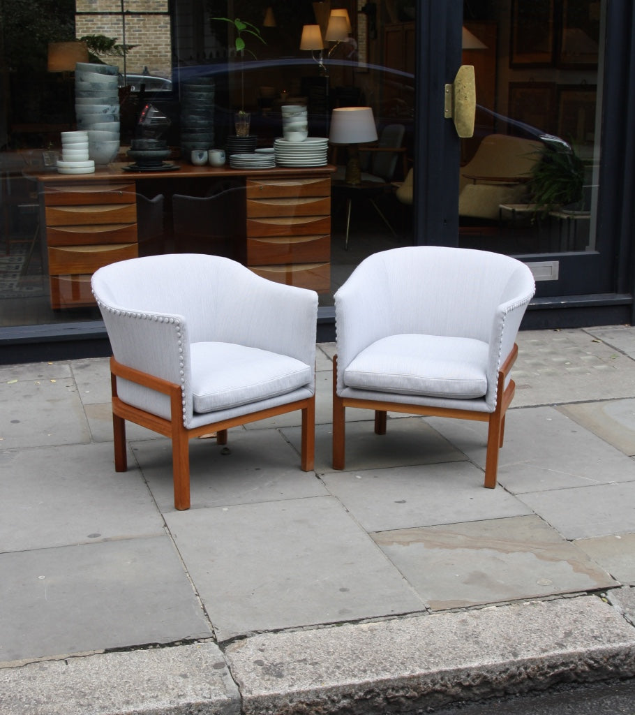 Pair of MK51 Easy Chairs Mogens Koch - Image 17