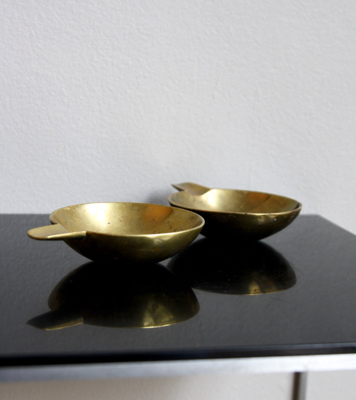 Pair of Small Brass Ashtrays Carl Auböck  - Image 14