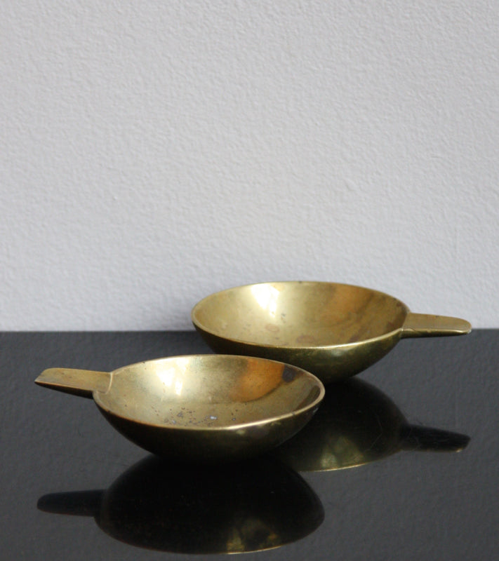 Pair of Small Brass Ashtrays Carl Auböck  - Image 2