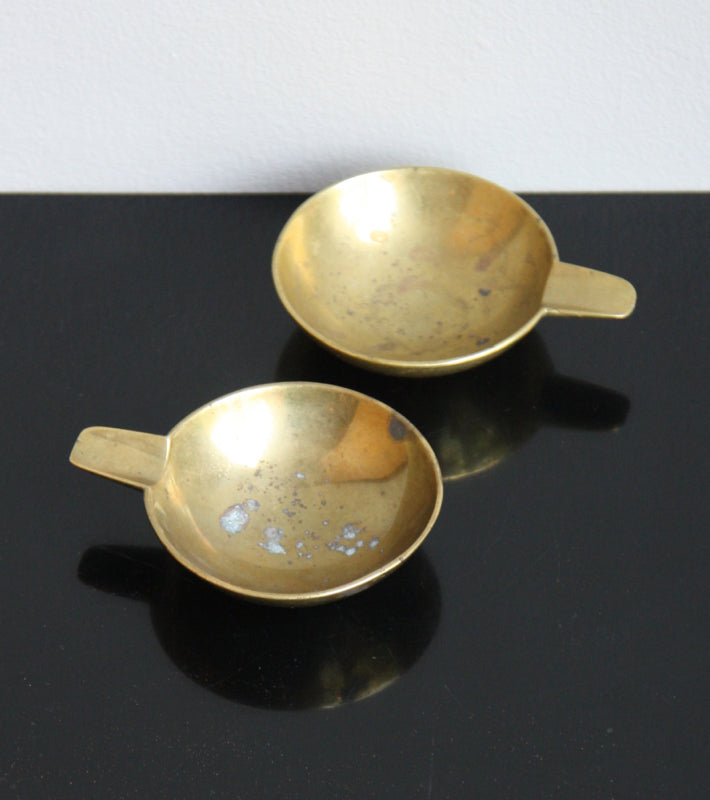 Pair of Small Brass Ashtrays Carl Auböck  - Image 3