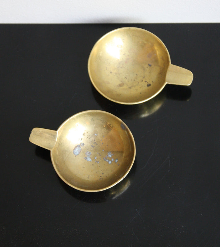 Pair of Small Brass Ashtrays Carl Auböck  - Image 4