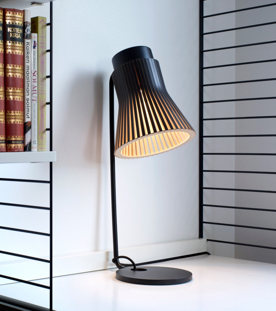 Secto Design Petite 4620 Black Nordic minimalist table light