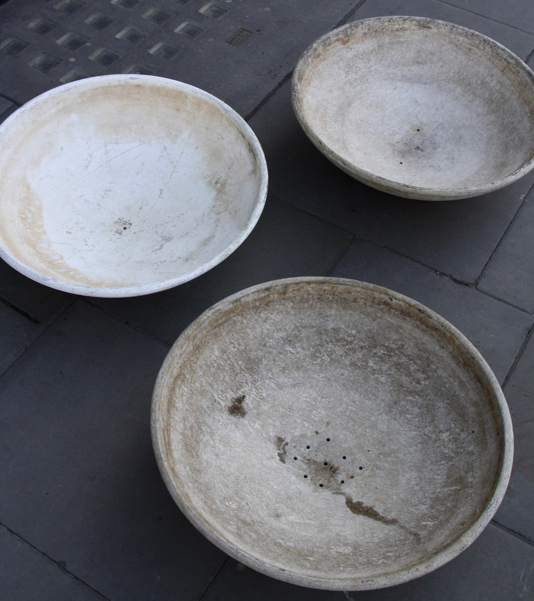 Trio of Modernist Planters Willy Guhl - Image 7