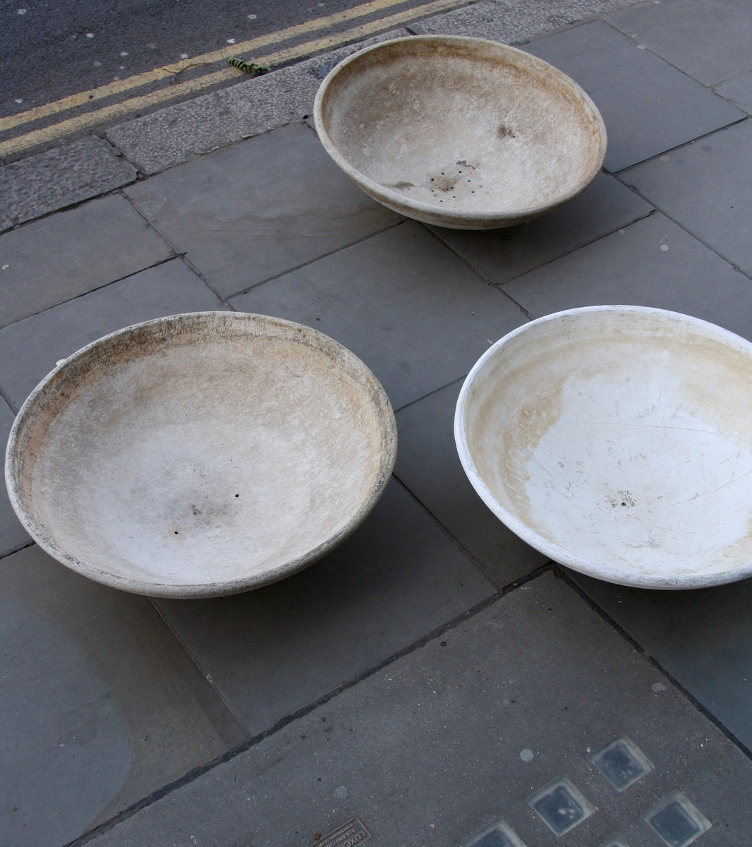 Trio of Modernist Planters Willy Guhl - Image 9