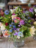 The eco floristry tips & tricks online workshop is aimed at the professional florist, the farmer florist & the enthusiastic amateur & will cover topics including how long designs will last, timings needed to create without floral foam.  Delivered by Somerset wedding florist Georgie Newbery.