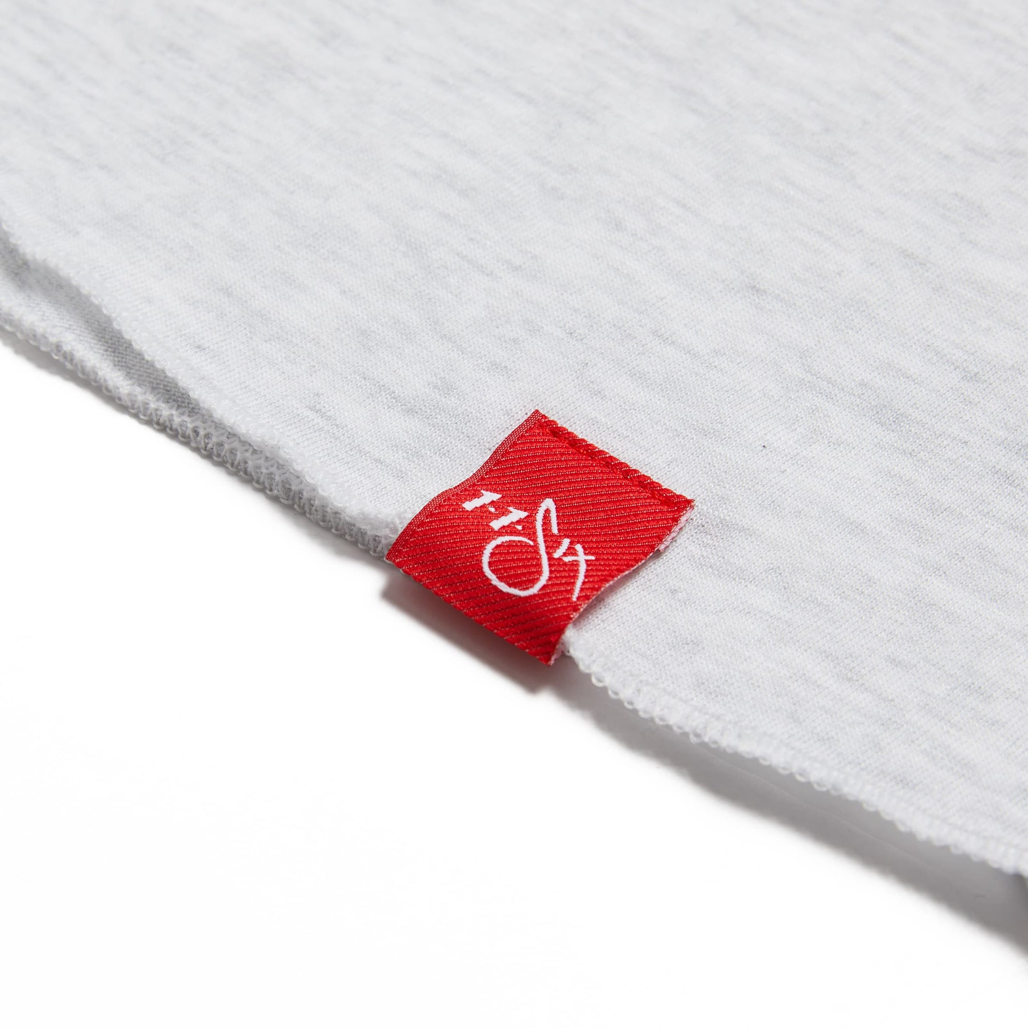116 'Red Label' Raglan