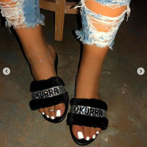 Pink home fashion wild hair slippers winter new bright diamond warm sandals female 2019 flip flop flat with interior slippers
