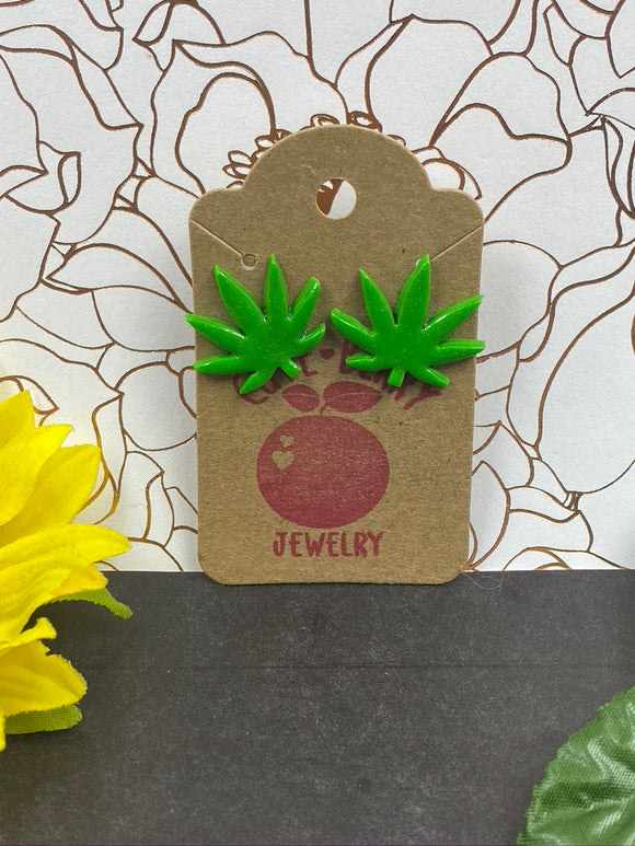 Green Clay Weed Leaf Studs || 420 Stoner Gift || Handmade Marijuana Jewelry || Cannabis - Cute Berry Jewelry