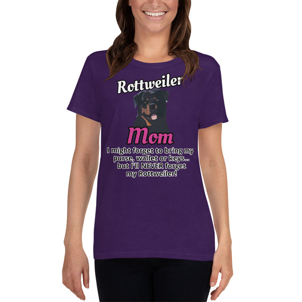 Rottweiler Mom Never Forget Rottweiler T-shirt Women's Short Sleeve - Rottweiler POV