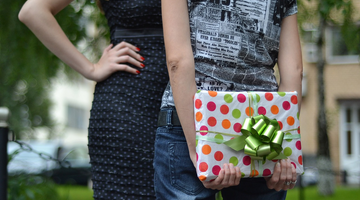 Don't Be a Gift Doubter: 5 Great Tips for Buying Gifts
