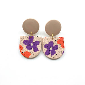 Beige Vintage Flower Earrings Aline