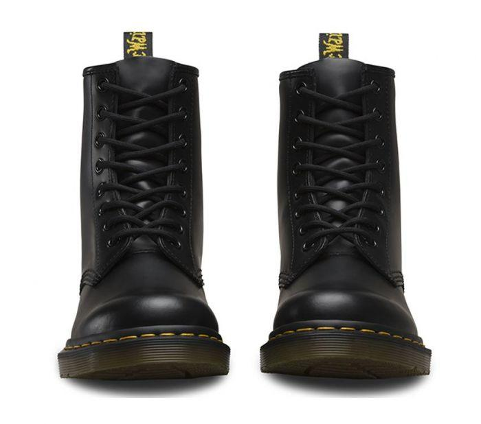 Dr Martens 8 Up Boot