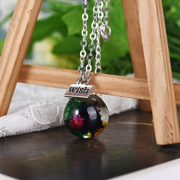Handmade Resin Pendant Necklace - Vitaezen