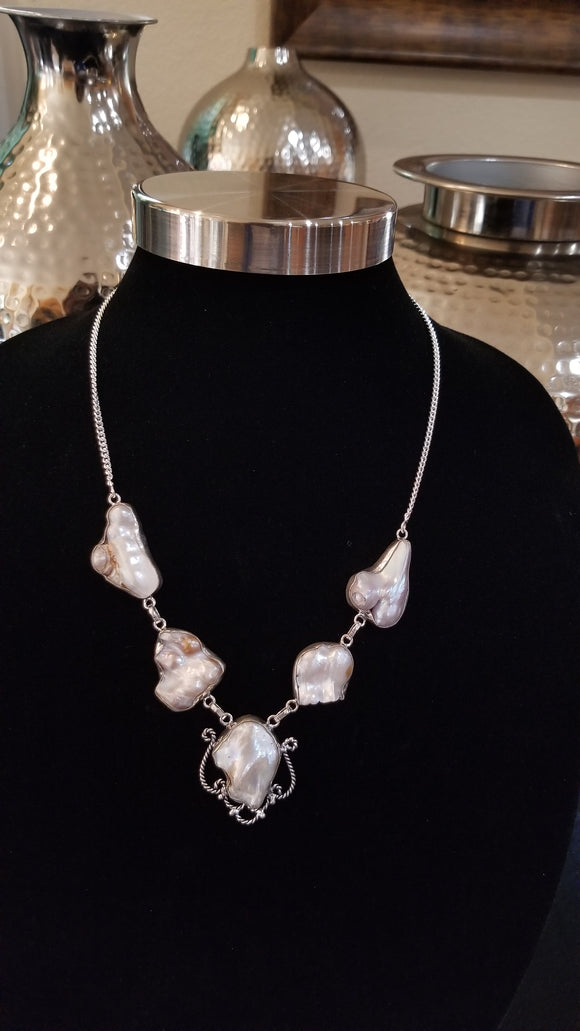 Dreamy Pearl Necklace